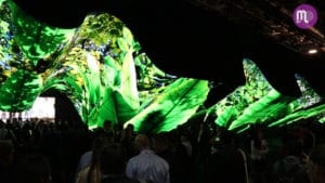 LG na CES 2020. Túnel com 200 telas curvas e planas chama atenção dos visitantes.