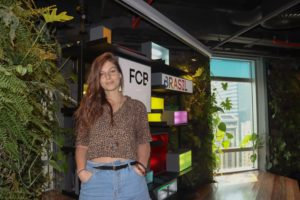 FCB - Diretora de Arte Julia Poloni