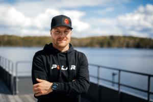 Polar, empresa de wearables esportivos, anunciou parceria com o piloto de corrida, Valtteri Bottas