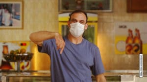 SKOL apresenta o Clube da Gorjeta, iniciativa que irá bancar a caixinha dos garçons e garçonetes impactados durante a pandemia.