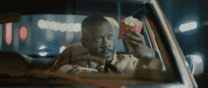 McDonald's oferece 'Seguro McFritas' para clientes do Drive-Thru.
