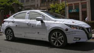Mensagens sobre segmento de sedans viram camuflagem no Novo Nissan Versa.