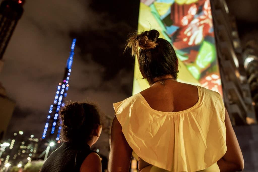 Santander destaca a solidariedade dos brasileiros em espetáculode Natal.