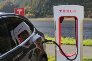 Sai Ford. Entra Tesla? por Daniel Aguado