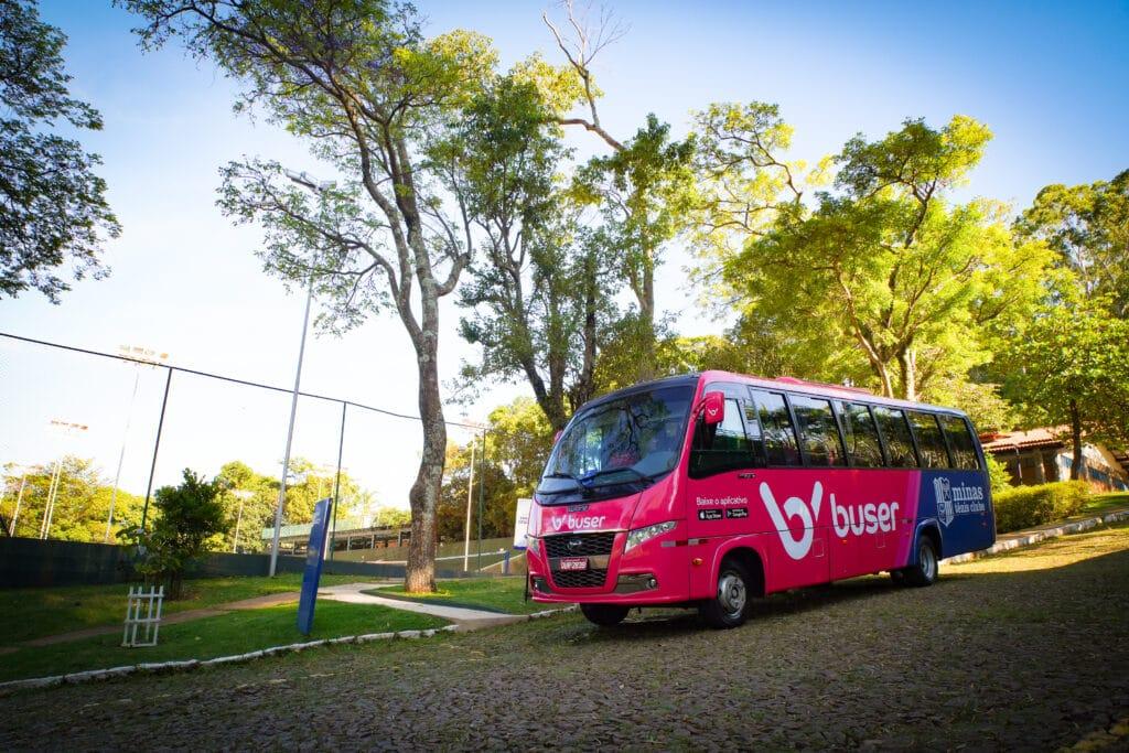 Buser patrocina a equipe de Tênis do Minas
