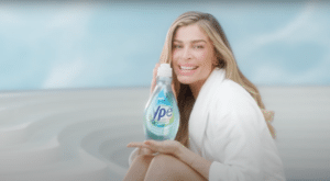 Grazi Massafera estreia em nova campanha da Ypê