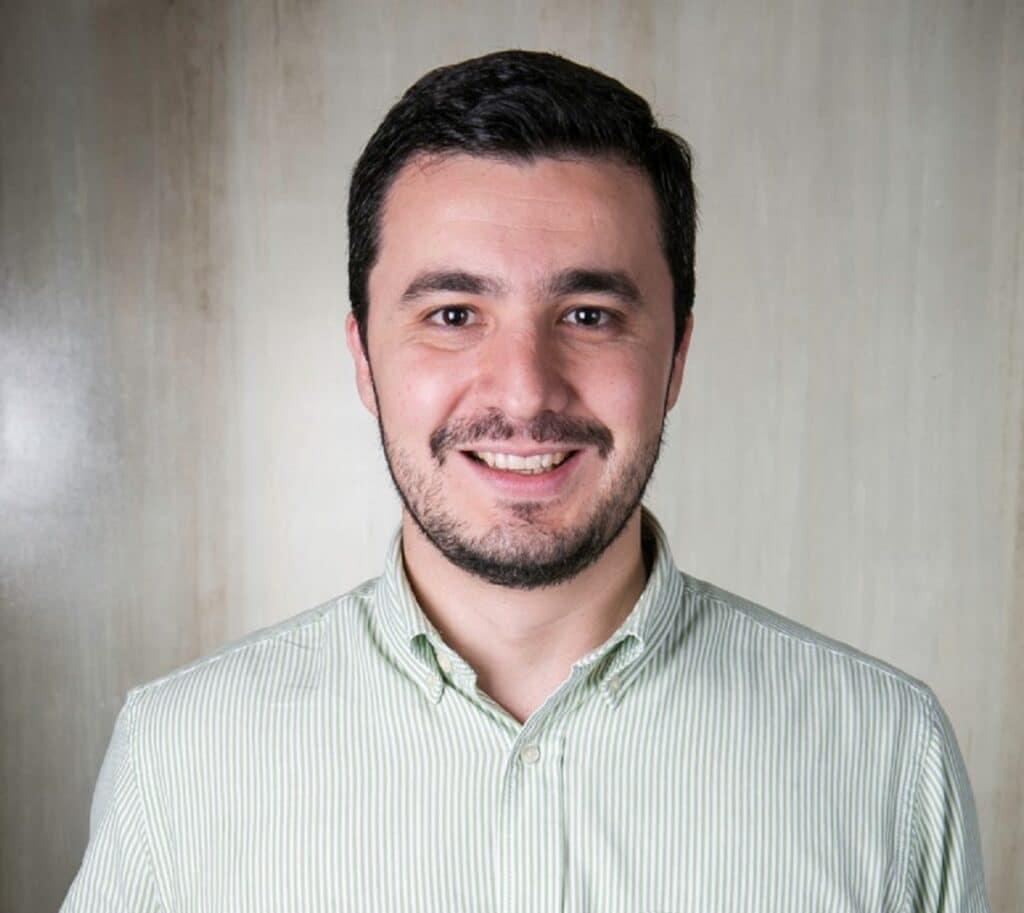 Reduzindo as pegadas, encontrando alternativa. Artigo sobre sobre sustentabilidade, escrito por Carlos Eduardo Pereira, da Kimberly-Clark.