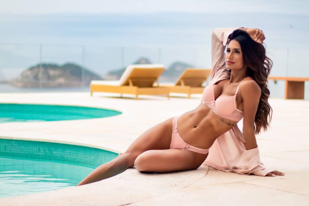 DLK Modas apresenta coleção de lingerie em campanha com Carol Ramiro