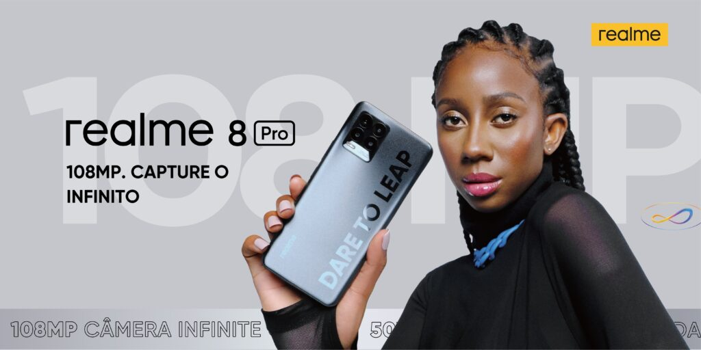 Camilla de Lucas estreia campanha do Realme 8 pro