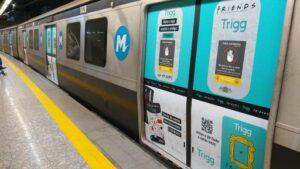 Com a intenção de mostrar o novo produto, o cartão dos Friends, a Trigg investiu uma de suas ações dentro dos metrôs de SP e do RJ.