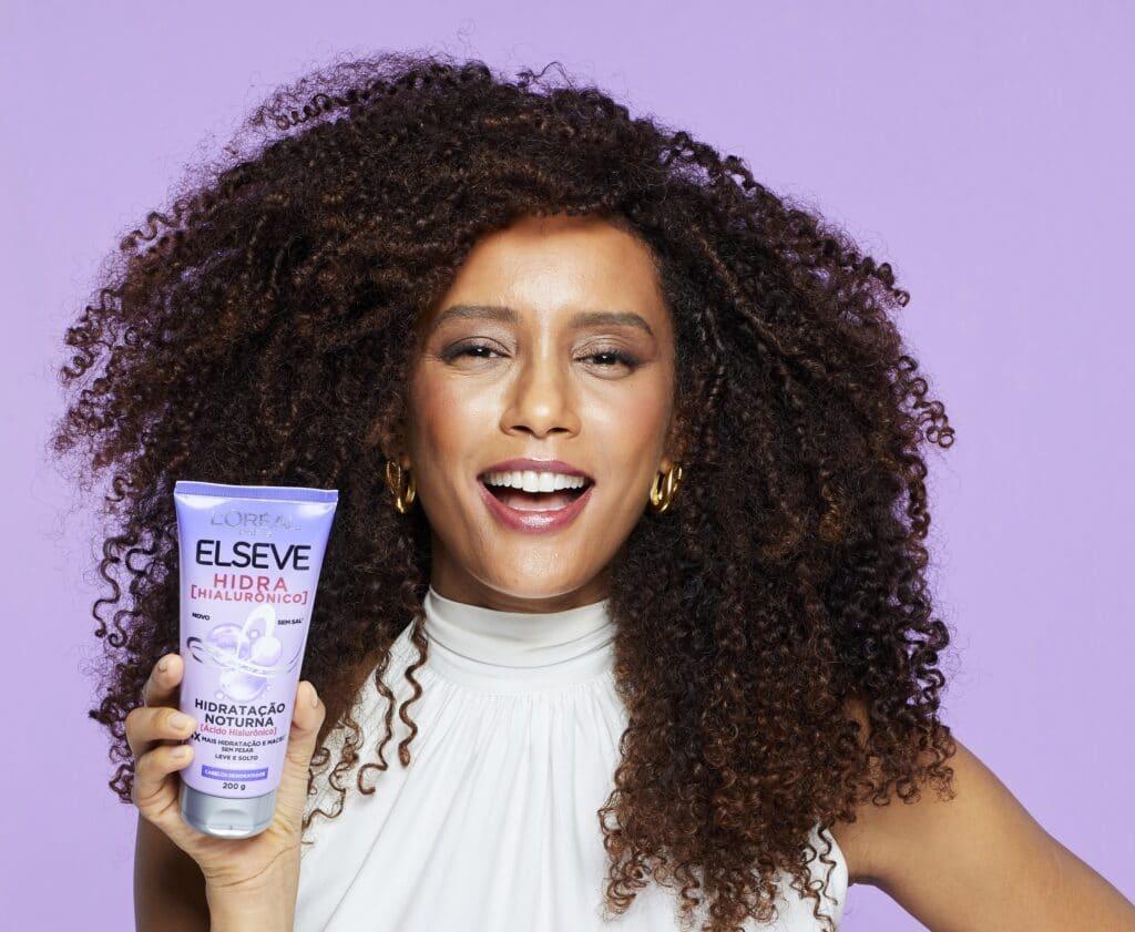 A nova linha de L'Oréal Paris chega ao Brasil para revolucionar o mercado oferecendo a primeira injeção de ácido hialurônico para os cabelos.