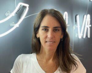 Ça Va Art anuncia Gabi Lemos, que chega para contribuir na área de novos negócios da produtora, atuando com publicidade e conteúdo.