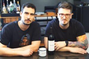 """Vinho nomeado """"Que se Foda"""" chega ao Brasil com a intenção de movimentar o mercado nacional. Seu nome rouba a cena, chamando muita atenção."""