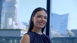 Chega ao Ideia 3 o Banco Master. Para celebrar, a agência destaca seu portfólio, com campanha protagonizada pela atriz Isis Valverde.