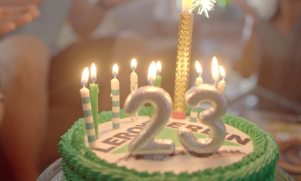 """A LEROY MERLIN lança campanha celebrando seu aniversário de 23 anos, com a mensagem de estar """"Presente para tudo que sua casa pode ser""""."""