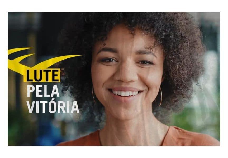 A agência Groove assina a campanha de lançamento do energético Everlast Energy Drink, da Everlast, trazendo o conceito #JuntosNaLuta.