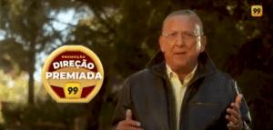 """A 99 promove campanha """"Direção Premiada"""", que dará R$1 milhão em prêmios aos motoristas parceiros. A campanha será estrelada por Galvão Bueno."""
