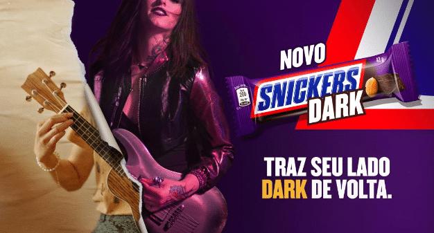 """SNICKERS Dark chega ao portfólio brasileiro da Mars Wrigley, com campanha que convida amantes da marca a trazerem de volta seu """"Lado Dark""""."""