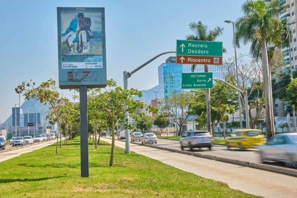 JCDecaux leva arte contemporânea às ruas da Zona Norte e Oeste do Rio de Janeiro.