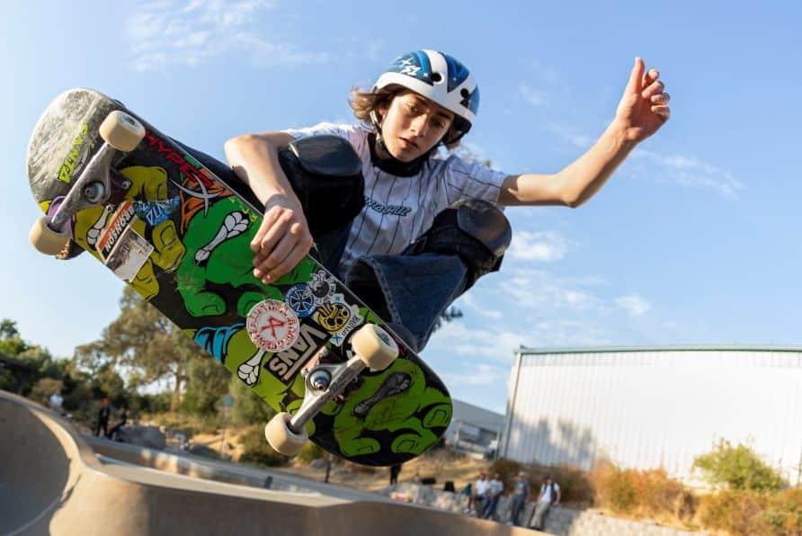 A HyperX anuncia, como nova embaixadora global da marca, a skatista norte-americana Minna Stess, e aumenta seu elenco de lifestyle gamer.